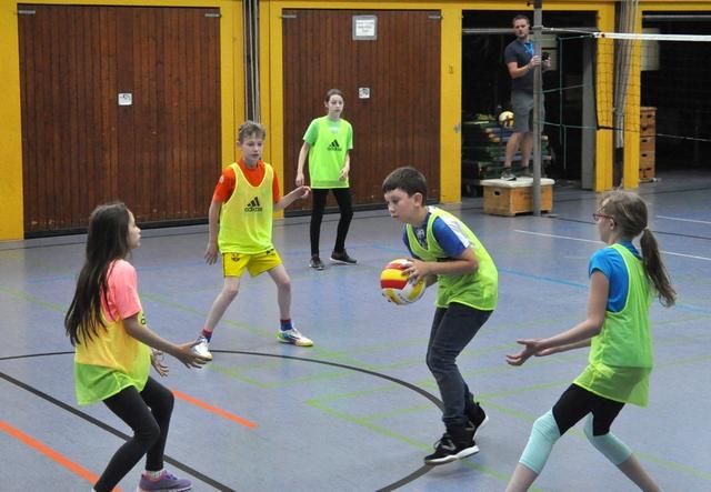Ball-über-die-Schnur-Turnier2018HP18