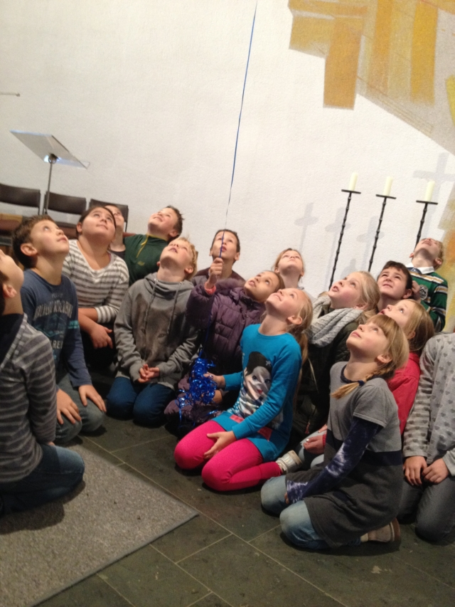 Kirchenraumpädagogik2016Klasse3aHP06